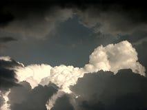σύννεφα βαριά Στοκ Φωτογραφία