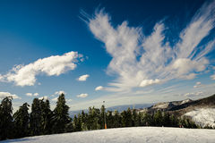 Σύννεφα βουνών Στοκ εικόνα με δικαίωμα ελεύθερης χρήσης