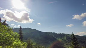 Σύννεφα βροχής, ενάρξεις βροχής Βουνά TimeLapse απόθεμα βίντεο