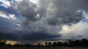 Σύννεφα βροχής, ενάρξεις βροχής Timelapse φιλμ μικρού μήκους