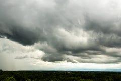 σύννεφα βροχής ουρανού θύελλας βροντής στοκ εικόνες με δικαίωμα ελεύθερης χρήσης