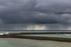 Σύννεφα βροχής σε Lanzarote, Ισπανία Στοκ φωτογραφία με δικαίωμα ελεύθερης χρήσης