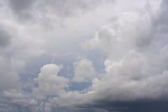 σύννεφα βροχερά Στοκ φωτογραφία με δικαίωμα ελεύθερης χρήσης