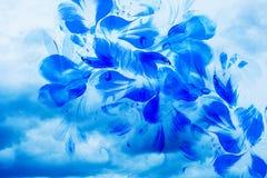 Σύννεφα θύελλας και πέταλα λουλουδιών Φωτογραφίες και ζωγραφική κολάζ υπολογιστών απεικόνιση αποθεμάτων