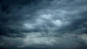 Σύννεφα θύελλας που κινούνται γρήγορα απόθεμα βίντεο