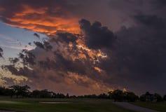 Σύννεφα θύελλας στο ηλιοβασίλεμα Στοκ Φωτογραφίες