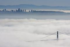 σύννεφα κάτω από το Βανκούβ&ep Στοκ Φωτογραφία