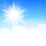 Σύννεφα και ανασκόπηση ήλιων ελεύθερη απεικόνιση δικαιώματος