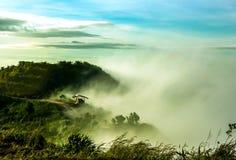 Σύννεφα και ομίχλες στο βουνό στοκ φωτογραφίες με δικαίωμα ελεύθερης χρήσης