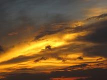 Σύννεφα και ουρανοί ηλιοβασιλέματος στοκ εικόνες με δικαίωμα ελεύθερης χρήσης