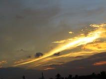 Σύννεφα και ουρανοί ηλιοβασιλέματος στοκ εικόνα με δικαίωμα ελεύθερης χρήσης