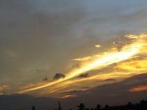 Σύννεφα και ουρανοί ηλιοβασιλέματος στοκ φωτογραφία