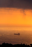 Σύννεφα και φως πέρα από τη θάλασσα στον κόλπο του Αλγερι'ου Στοκ Εικόνες