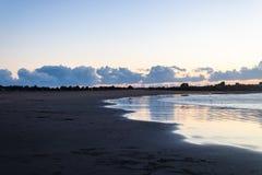 Σύννεφα και ωκεανός στο ηλιοβασίλεμα - εικόνα στοκ φωτογραφία