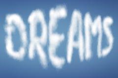 Σύννεφα με τα ΟΝΕΙΡΑ κειμένων Στοκ φωτογραφίες με δικαίωμα ελεύθερης χρήσης