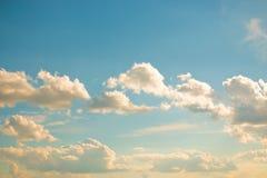 Σύννεφα μια σαφή ημέρα Στοκ φωτογραφίες με δικαίωμα ελεύθερης χρήσης