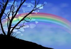 Σύννεφα νύχτας σκιαγραφιών δέντρων και ένα ουράνιο τόξο ελεύθερη απεικόνιση δικαιώματος