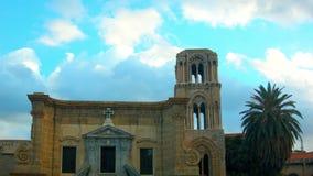 Σύννεφα πέρα από την εκκλησία στο Παλέρμο, Ιταλία απόθεμα βίντεο