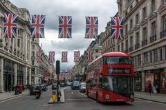 Σύννεφα πέρα από την οδό της Οξφόρδης, πόλη του Λονδίνου, Αγγλία, Μεγάλη Βρετανία Στοκ Φωτογραφίες