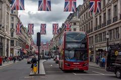 Σύννεφα πέρα από την οδό της Οξφόρδης, πόλη του Λονδίνου, Αγγλία, Μεγάλη Βρετανία Στοκ Φωτογραφία