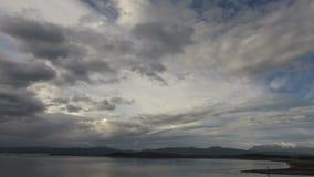 Σύννεφα πέρα από το χρονικό σφάλμα θάλασσας απόθεμα βίντεο