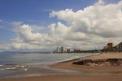 Σύννεφα πέρα από Puerto Vallarta στοκ εικόνες με δικαίωμα ελεύθερης χρήσης