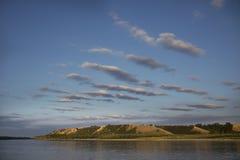 Σύννεφα που πετούν πέρα από τον ουρανό Στοκ εικόνα με δικαίωμα ελεύθερης χρήσης