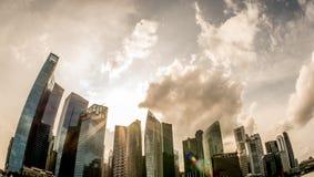 Σύννεφα που συλλέγουν πέρα από τη Σιγκαπούρη Στοκ Εικόνες