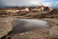 Σύννεφα στα βουνά ερήμων Στοκ εικόνες με δικαίωμα ελεύθερης χρήσης