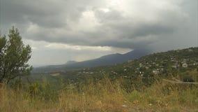 Σύννεφα στα βουνά φιλμ μικρού μήκους
