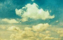 Σύννεφα στο εκλεκτής ποιότητας ύφος Στοκ Εικόνα