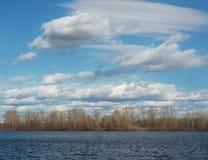 Σύννεφα στο νερό στοκ εικόνες