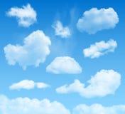 Σύννεφα στο υπόβαθρο μπλε ουρανών διανυσματική απεικόνιση