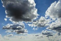 Σύννεφα σωρειτών στοκ εικόνες