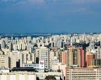 Σύννεφα του Σάο Πάολο λεωφόρων της Βραζιλίας Paulista στοκ φωτογραφία με δικαίωμα ελεύθερης χρήσης