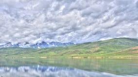 Σύννεφα χρονικού σφάλματος πέρα από τη λίμνη απόθεμα βίντεο
