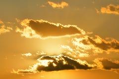 σύννεφα χρυσά Στοκ εικόνες με δικαίωμα ελεύθερης χρήσης