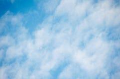 Σύννεφα Fantahite ενάντια μπλε σε skystic Στοκ Φωτογραφία