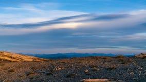 Σύννεφα Mountaintop στη θυελλώδη κορυφογραμμή στοκ εικόνες με δικαίωμα ελεύθερης χρήσης