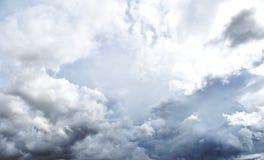 Σύννεφο βροχής πριν από το strom στοκ εικόνα με δικαίωμα ελεύθερης χρήσης