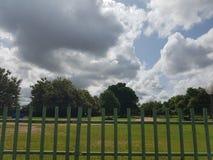 Σύννεφο και πράσινα στοκ φωτογραφίες