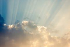 Σύννεφο και sunray Στοκ Φωτογραφίες