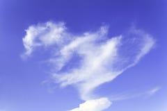 Σύννεφο καρδιών του μπλε ουρανού Στοκ εικόνα με δικαίωμα ελεύθερης χρήσης