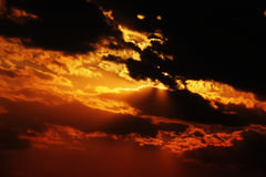 Σύννεφο με τον ήλιο Στοκ Εικόνες