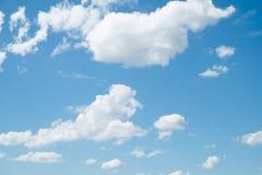 Σύννεφο μπλε ουρανού στο υπόβαθρο στοκ φωτογραφία με δικαίωμα ελεύθερης χρήσης