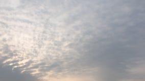 Σύννεφο ομορφιάς σε ένα κλίμα μπλε ουρανού Ουρανός slouds Μπλε ουρανός με το νεφελώδη καιρό, σύννεφο φύσης Άσπροι σύννεφα, μπλε ο απόθεμα βίντεο