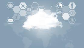 Σύννεφο, παγκόσμιος χάρτης και hexagons με τα εικονίδια Στοκ Εικόνες
