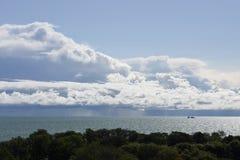 Σύννεφο ραφιών πέρα από τη λίμνη Μίτσιγκαν Στοκ εικόνα με δικαίωμα ελεύθερης χρήσης