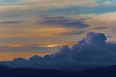 Σύννεφο στο ηλιοβασίλεμα Στοκ φωτογραφίες με δικαίωμα ελεύθερης χρήσης