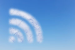 Σύννεφο WIFI στον ουρανό Στοκ Φωτογραφία